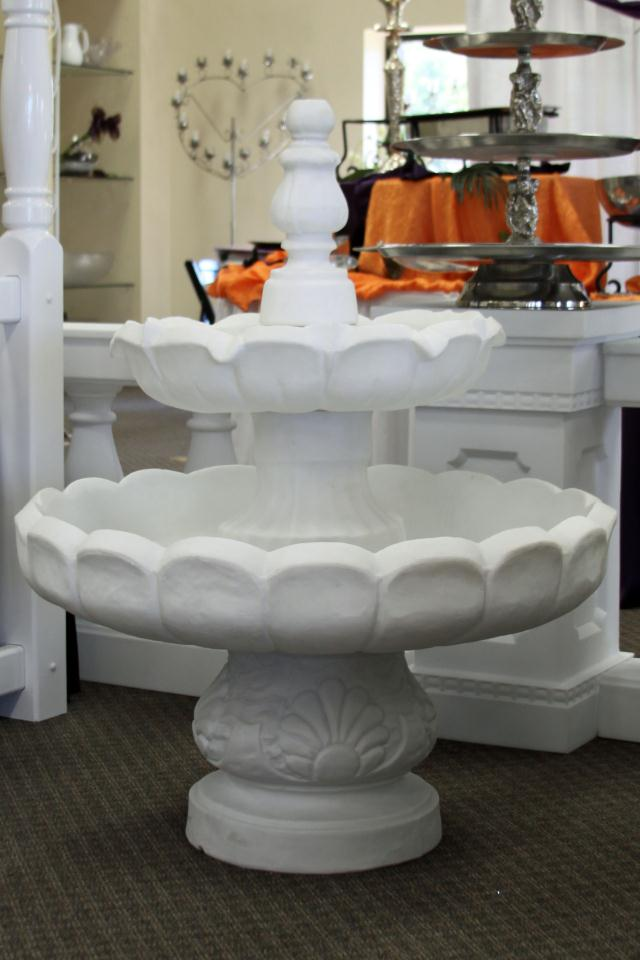 Where to find WHITE GARDEN FLOOR FOUNTAIN in Longview