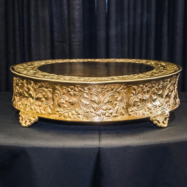 Where to find 22  ROUND BRASS CAKE STAND in Longview