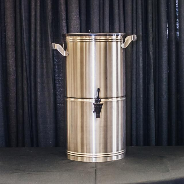 Where to find 5 GALLON STAINLESS TEA DISPENSER in Longview