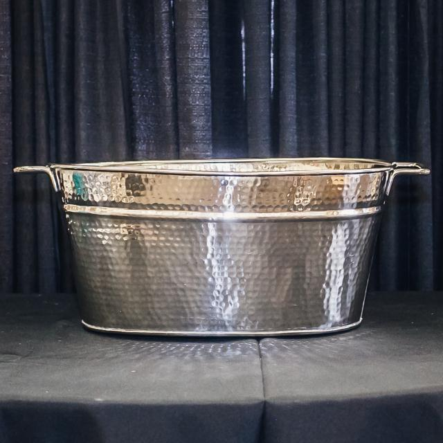 Where to find 18 8 STAINLESS HAMMERED TUB in Longview