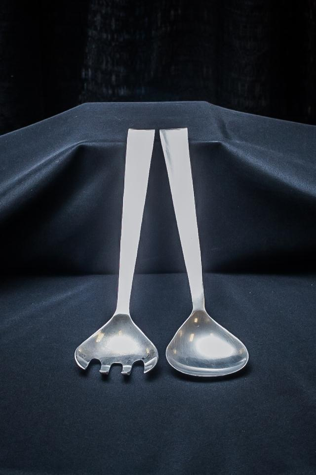 Where to find 2 PIECE 12  ALUM SALAD SERVERS in Longview