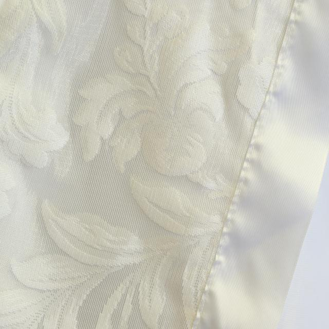 Where to find WHITE LACE LEAF LINENS in Longview