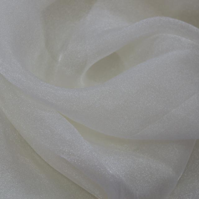 Where to find WHITE ORGANZA LINENS in Longview