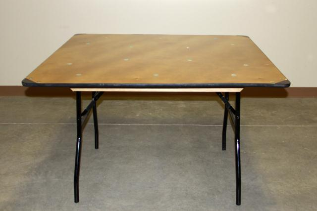 Where to find 4  SQUARE TABLE in Longview