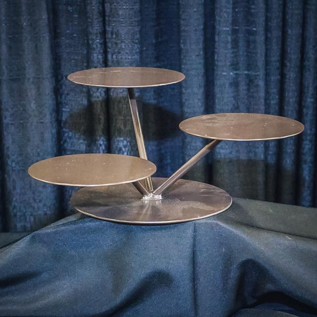 Where to find BRONZE LILY PAD CUPCAKE STAND in Longview